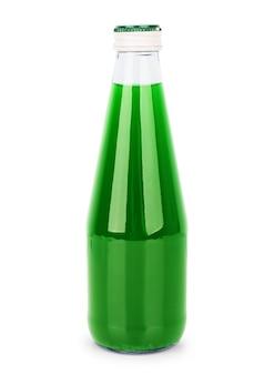 Szklanka soku winogronowego na białym tle