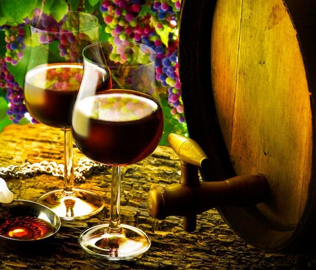 Szklanki czerwonego wina