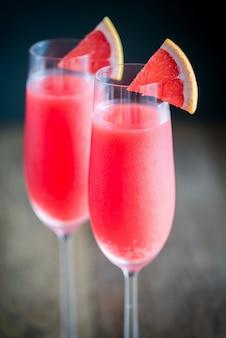 Szklanki koktajlu mimosa
