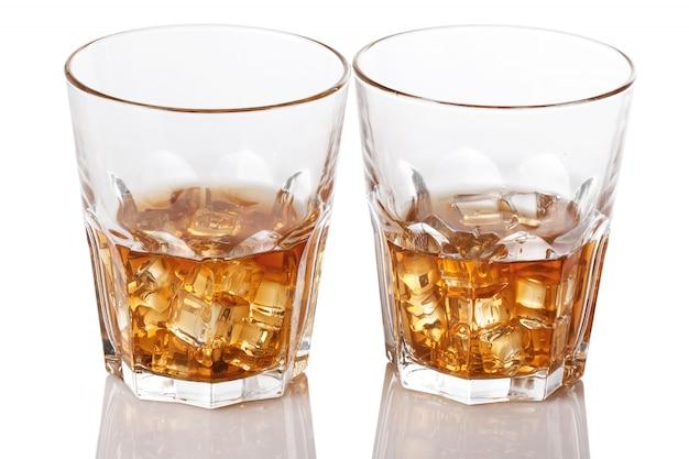 Szklanki z whisky