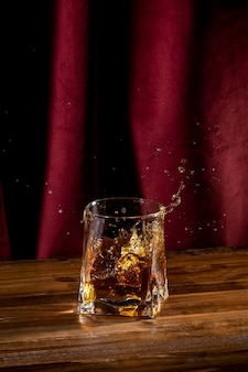 Szkło z napojem