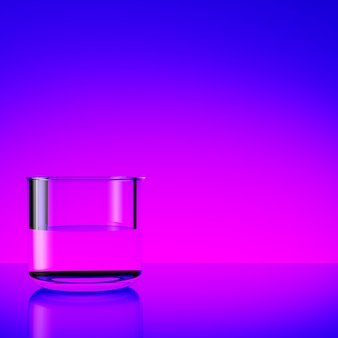 Szkło z wodą na purpurowym tle
