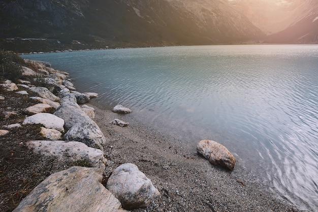Szmaragdowe jezioro (laguna esmeralda) w ushuaia.
