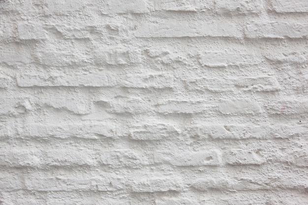 Szorstka ściana z białych cegieł