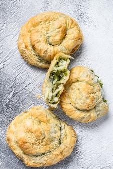 Szpinak i ser feta twist greek pie francuskie
