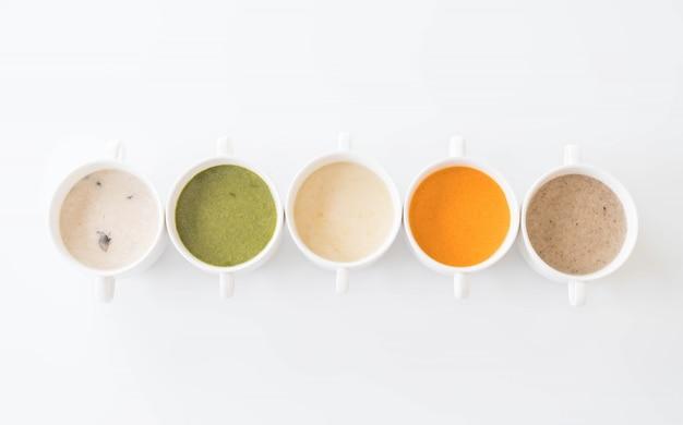 Szpinak, marchew, grzyb, zupy kukurydziane