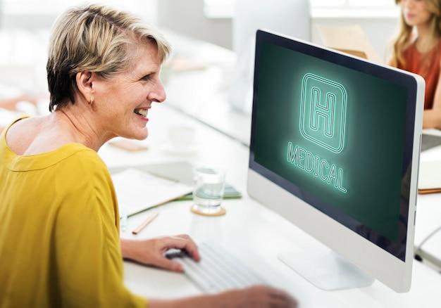 Szpital leczyć zdrowie ikona koncepcja graficzna