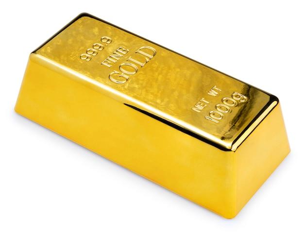 Sztabka złota na białym tle. złoto kruszcowe na białym tle ze ścieżką przycinającą.