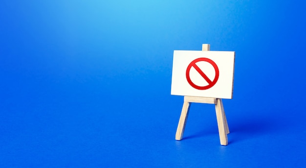 Sztaluga ze znakiem zakazu nr. strefa ograniczona. ograniczenia i sankcje