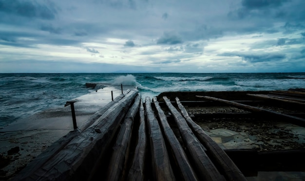 Sztorm na morzu
