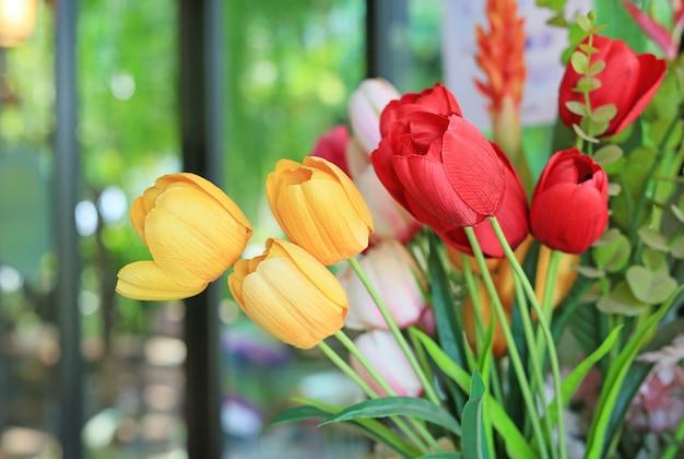 Sztuczna wiązka bukietów tulipanów kwiaty