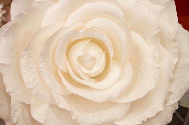 Sztuczne papierowe kwiaty