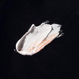 Sztuka abstrakcyjna obrysu pędzla biały