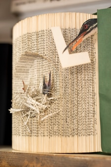 Sztuka arkuszy papieru w postaci ptaków