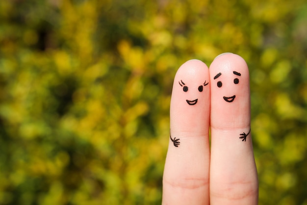Sztuka palca szczęśliwej pary. mężczyzna i kobieta przytulają się