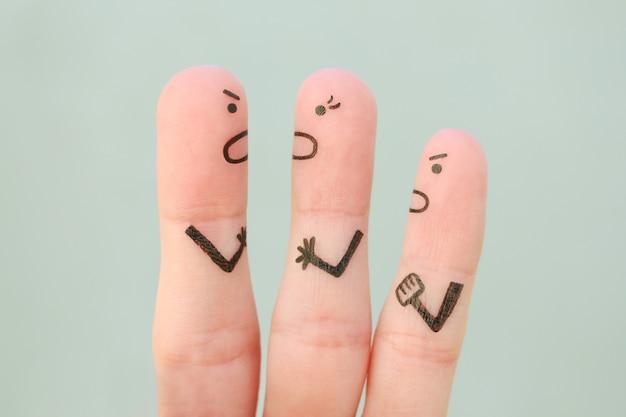 Sztuka palców rodziny podczas kłótni.