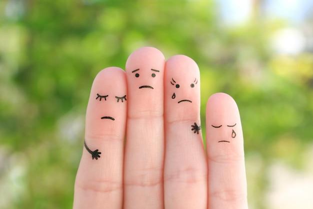 Sztuka palców smutnej rodziny. koncepcja wsparcia w sytuacjach trudnych.