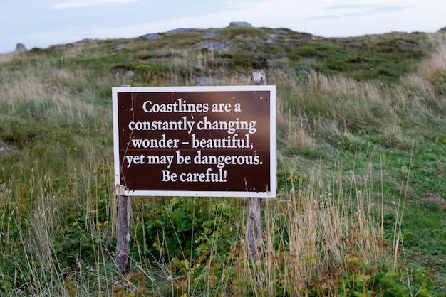 Szyld na wybrzeżu, ferryland, calvert, półwysep avalon, nowa fundlandia i labrador, kanada