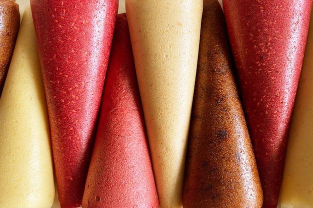 Szyszki owoców skóry bliska widok. brak szyszek ze skóry owocowej cukru