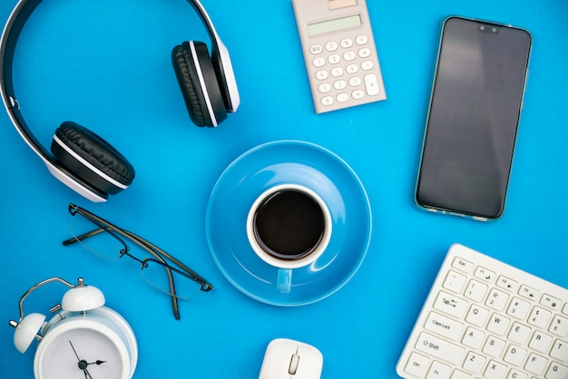 Tabela biurka biznesowego miejsca pracy i obiektów biznesowych