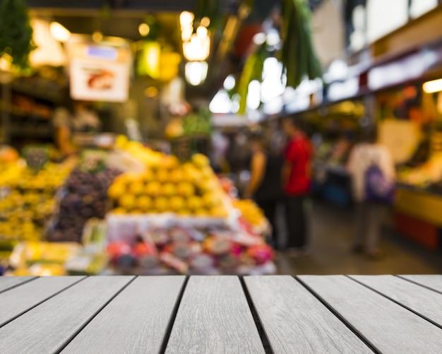 Tabletop patrz? c na rynek owoców