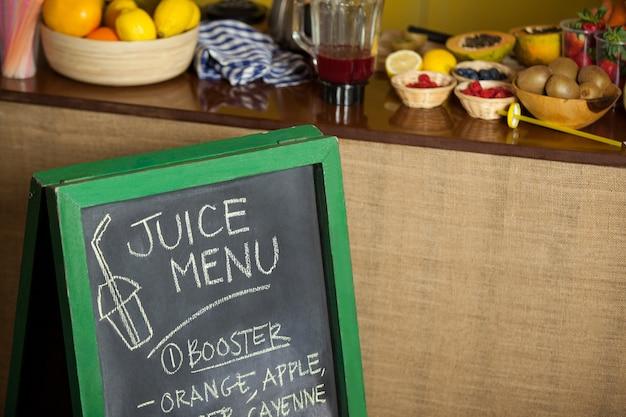 Tablica menu w sklepie spożywczym zdrowia