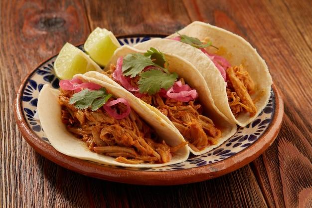 Tacos de cochinita pibil comida tipica mexicana