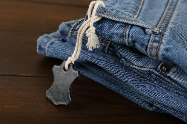 Tag skórzane dżinsy z bliska