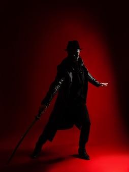 Tajemniczy zabójca ninja w stylu noir, mężczyzna w czarnym ubraniu