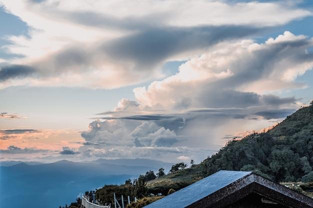 Tajlandia piękne niebo