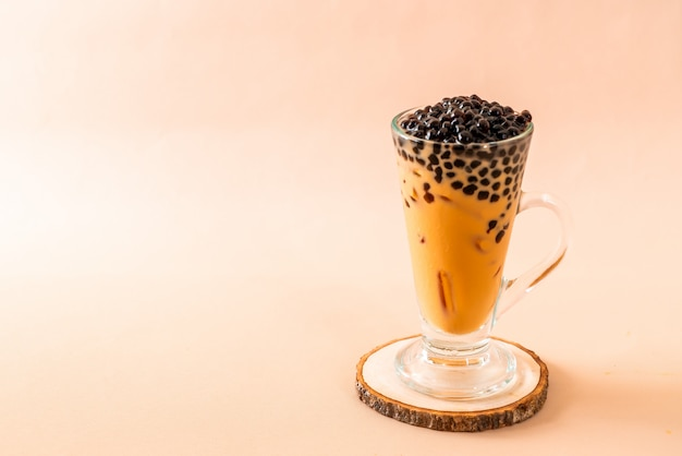 Tajlandzka dojna herbata z bąbla tłem