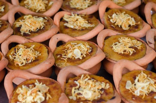 Tajlandzki custard deser przy spławowym rynkiem, amphawa, tajlandia
