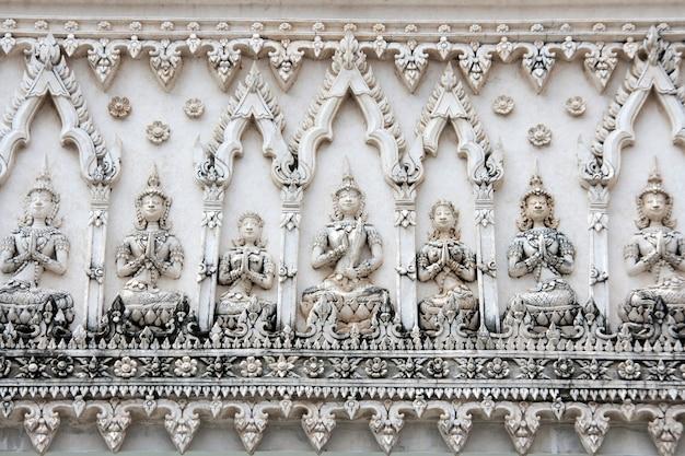 Tajlandzki deseniowy architektura szczegół w buddist świątyni
