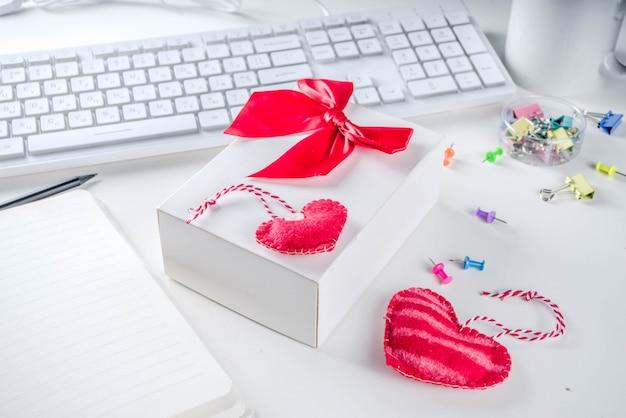 Tajna gra biurowa valentine