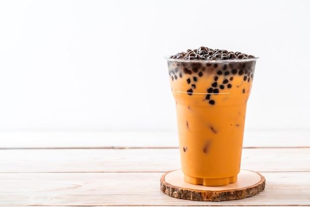 Tajska mleczna herbata z bąbelkami