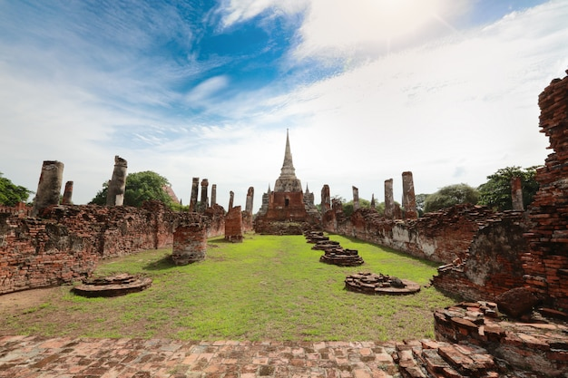 Tajska starożytna świątynia