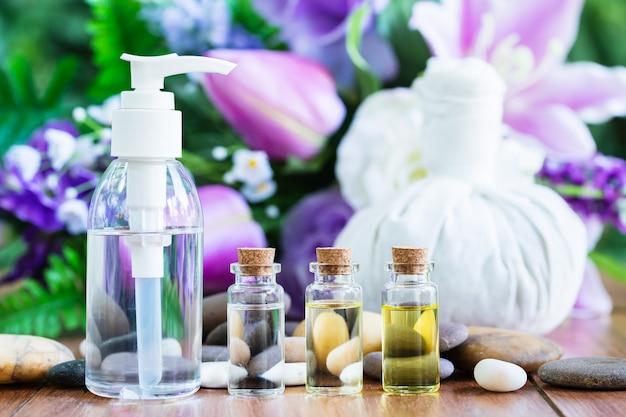 Tajski masaż spa ziołową kulką kompresową