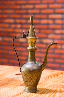 Tajski mosiężny czajniczek antigue