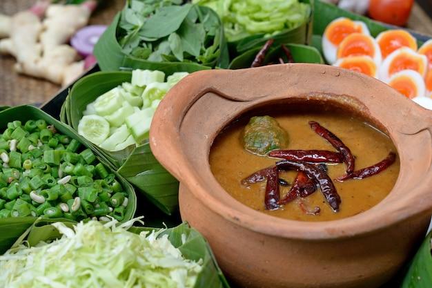 Tajski wermiszel zjedzony z curry