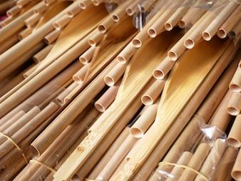 Tajskie instrumenty muzyczne o nazwie