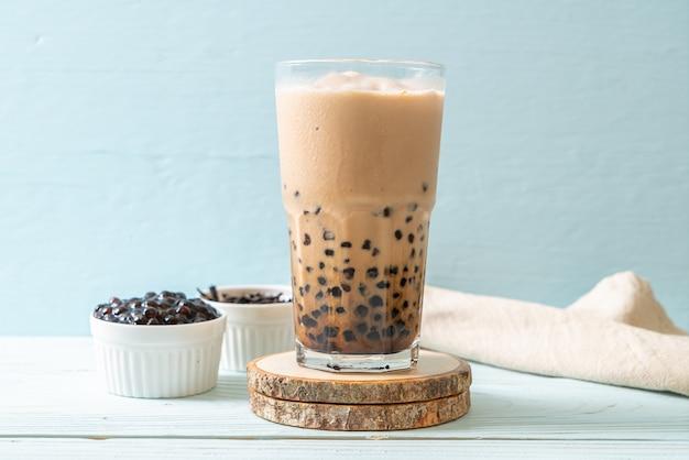 Tajwańska mleczna herbata z bąbelkami