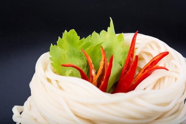 Talerz kluski z warzywami