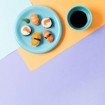 Talerz z miejscem na sushi