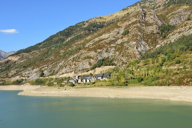 Tama bubal i wieś hoz de jaca, prowincja huesca, aragonia, hiszpania