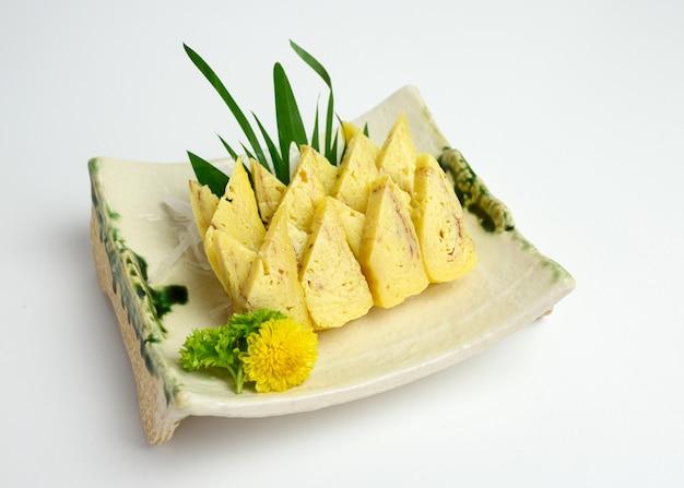 Tamago lub omlet japońskiej przekąski