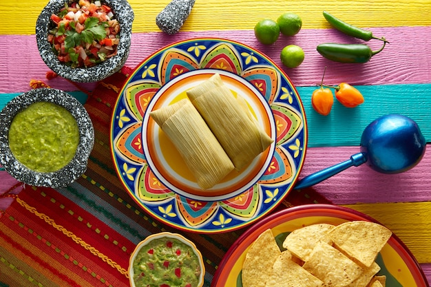 Tamales meksykański z liści kukurydzy