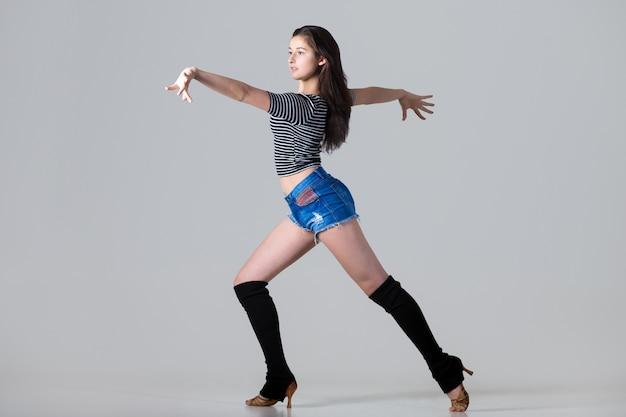 Tancerka latino kobieta