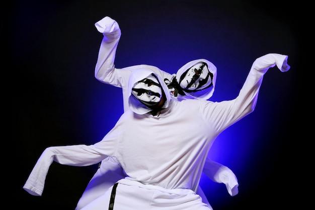 Tancerz hip-hopu w tańcu