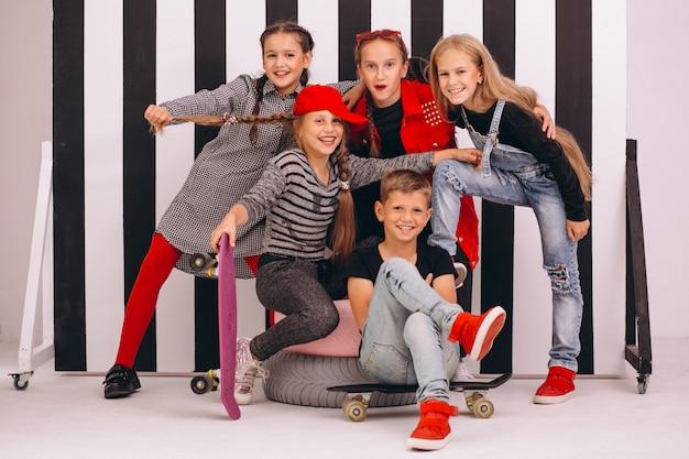 Tańcząca drużyna w studio