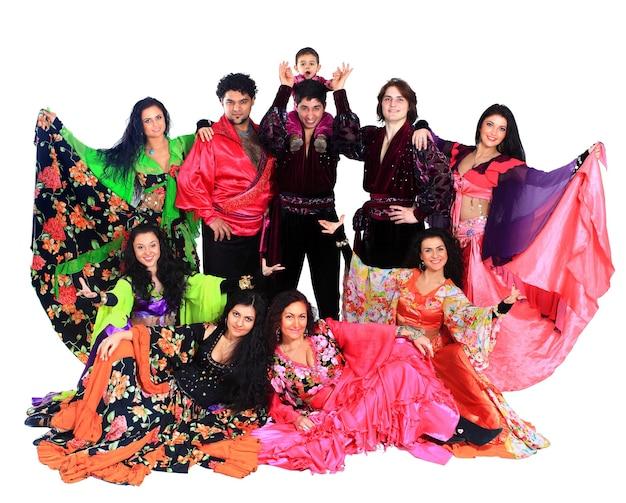 Tańczący romowie.